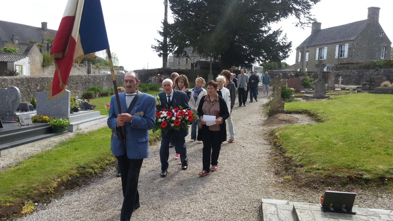 8 mai 2015 - cérémonie au monument aux morts